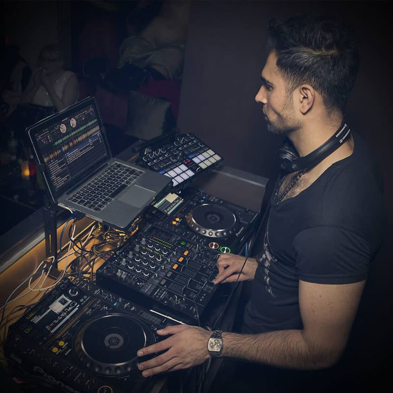 DJ Vik Toreus Nightclub