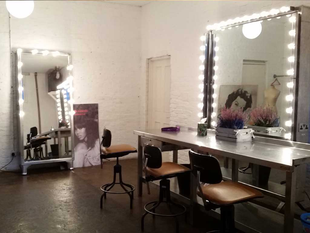 Make Up Area Chillout Greenroom