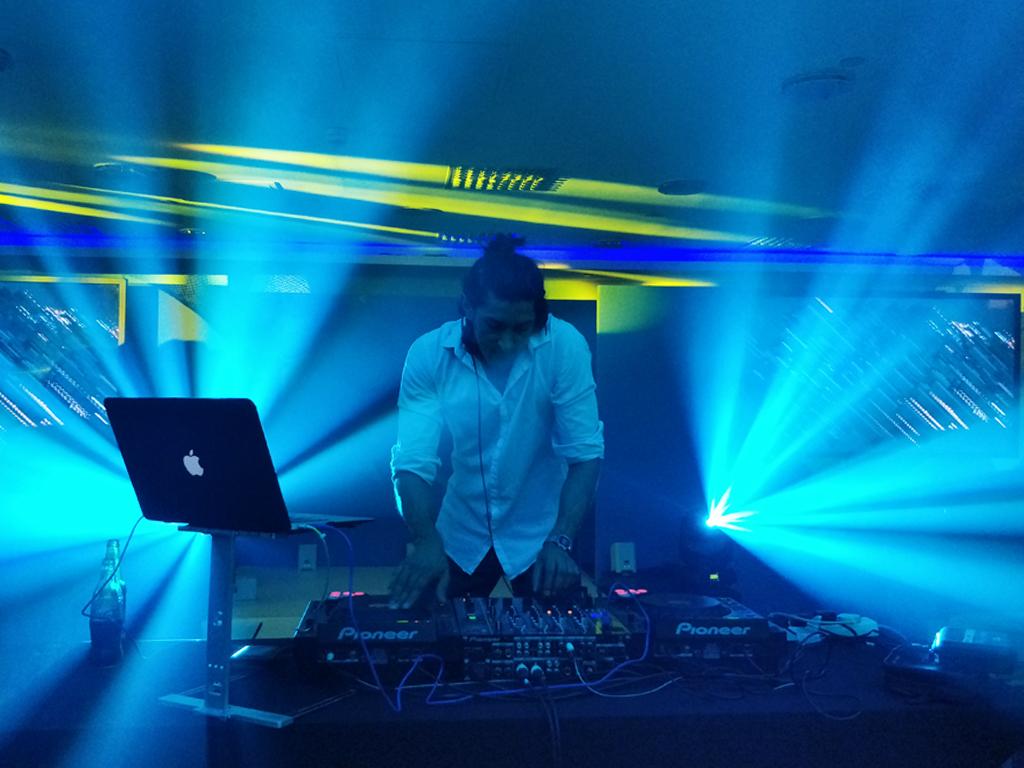 DJ SR Chelsea Harbour Hotel Gala